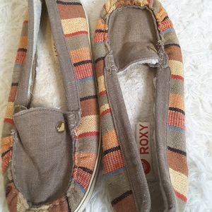 3/$30 Roxy multi color Piccolo fur lined loafer